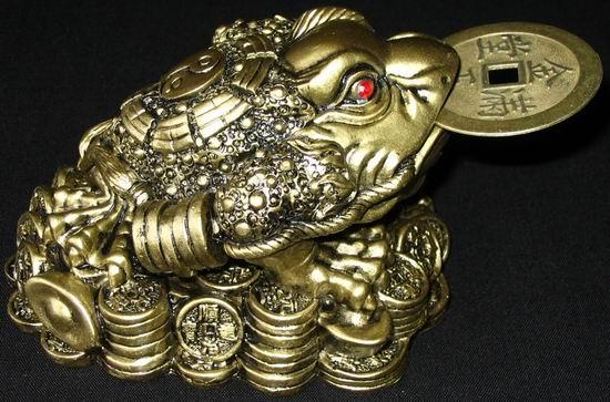 трехлапая жаба - денежный талисман фэн-шуй