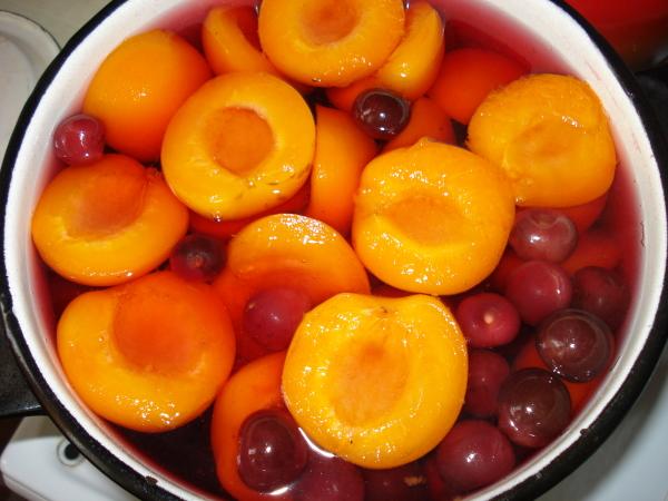 компот абрикосы-вишня